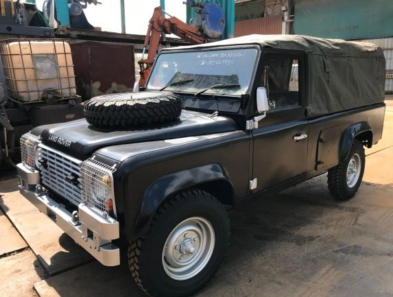 LAND ROVER Defender pick-up