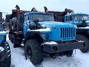 Уралпромтехника Уралпромтехника 59601В houtvrachtwagen