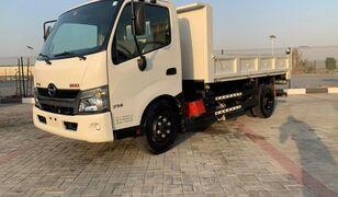 HINO 300  kipper vrachtwagen