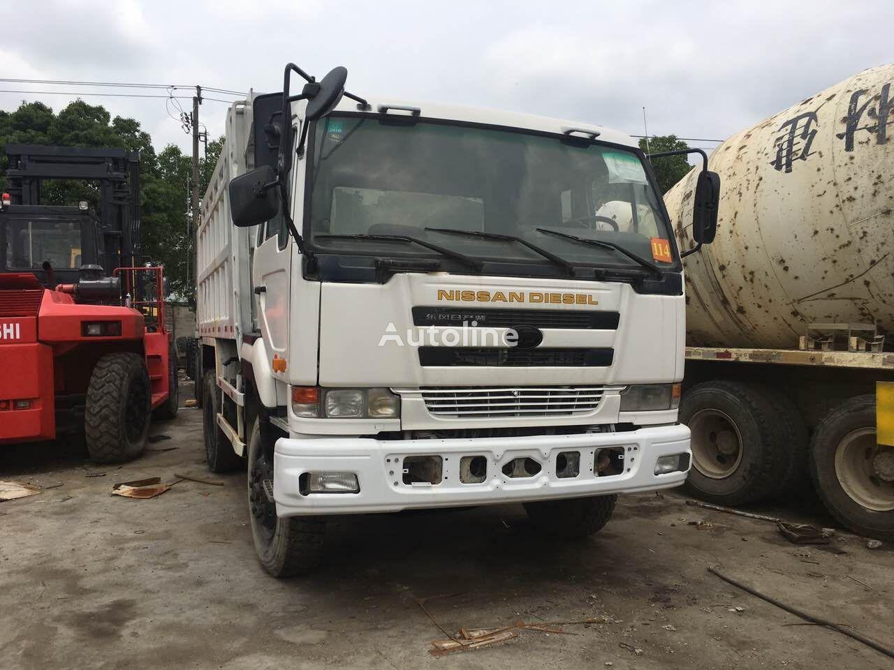 NISSAN V8 kipper vrachtwagen