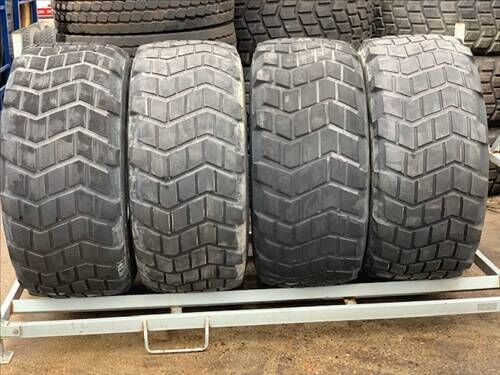 Michelin 18R22.5  XS Extra Large vrachtwagenband